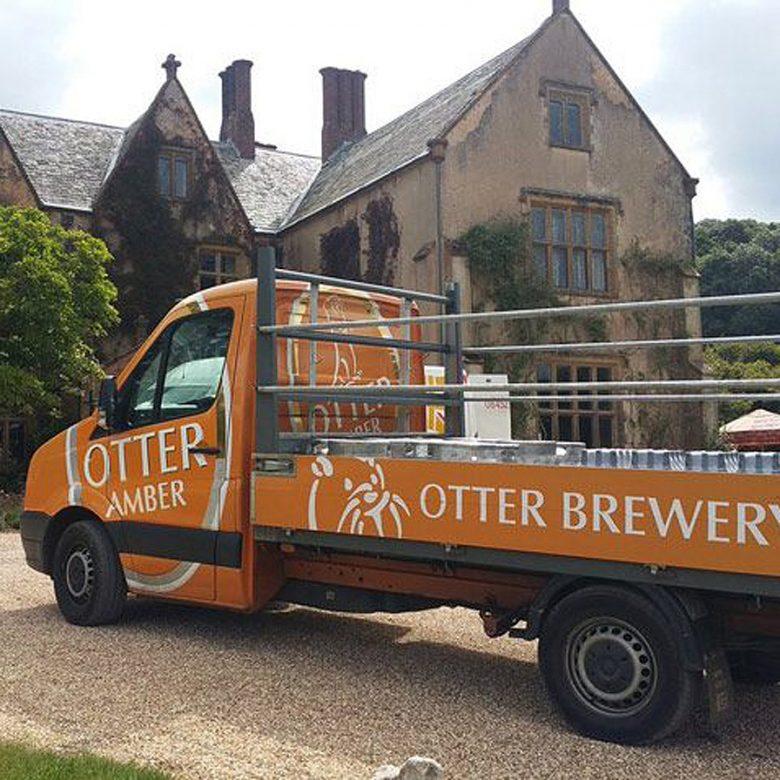 otter-amber-truck